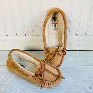 Minnetonka Britt Trapper Moccasin Slipper Shoe